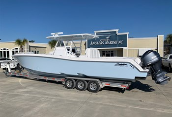 2021 Invincible 39 Open Fisherman Ice Blue  Boat