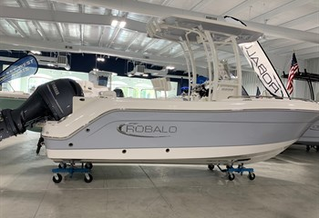 2021 Robalo R222 Alloy Gray/White Boat